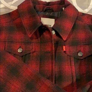 Plaid Levi's trucker jacket